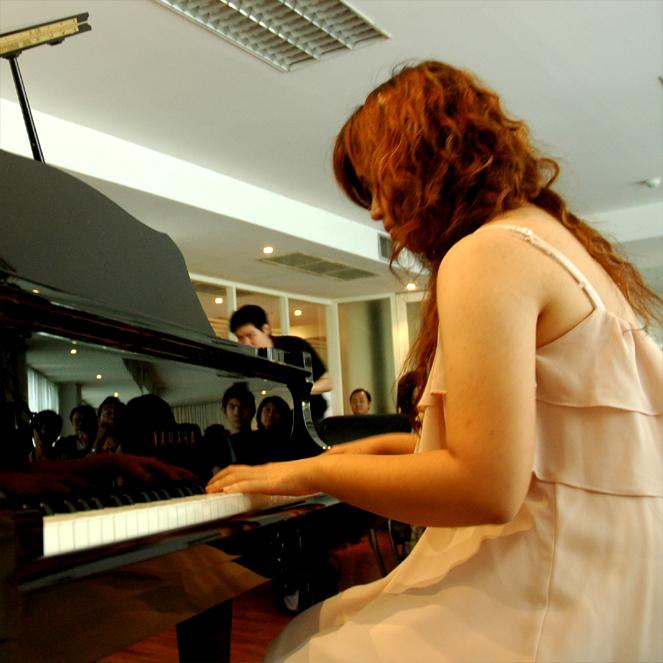 คอร์สสอนเปียโนผู้ใหญ่ เป็นอะไรที่สนุก หลากหลาย ได้มิตรภาพ